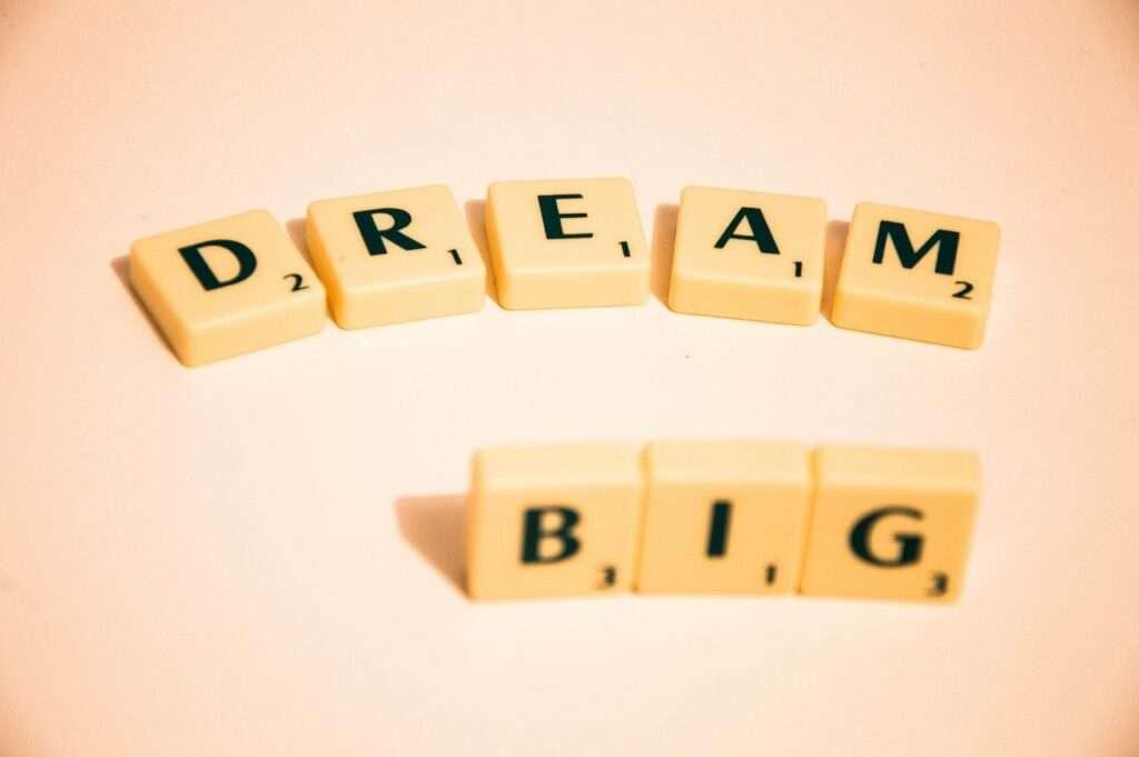 scrabble, dream big, note